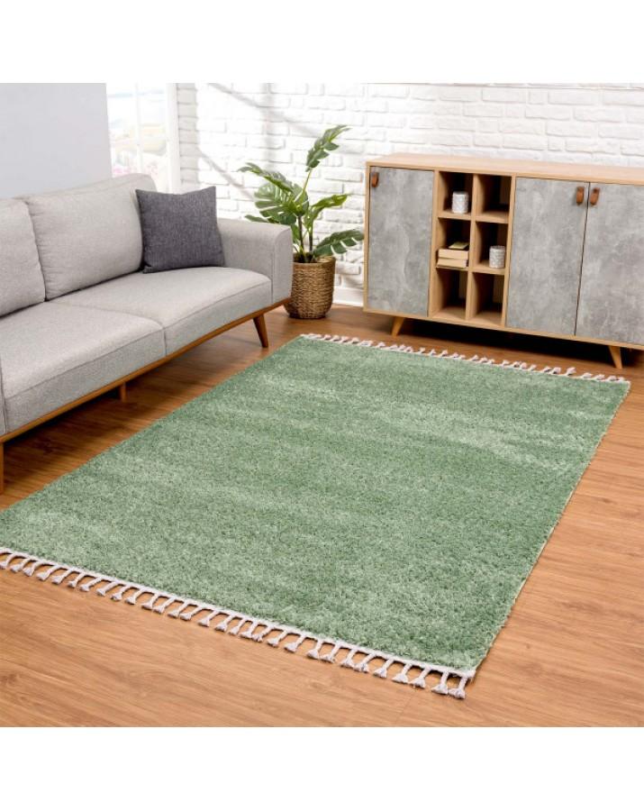Švelnus žalias kilimas su kutais