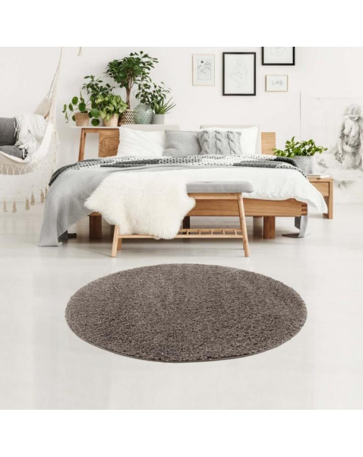 Švelnus šviesiai pilkas kilimas su kutais