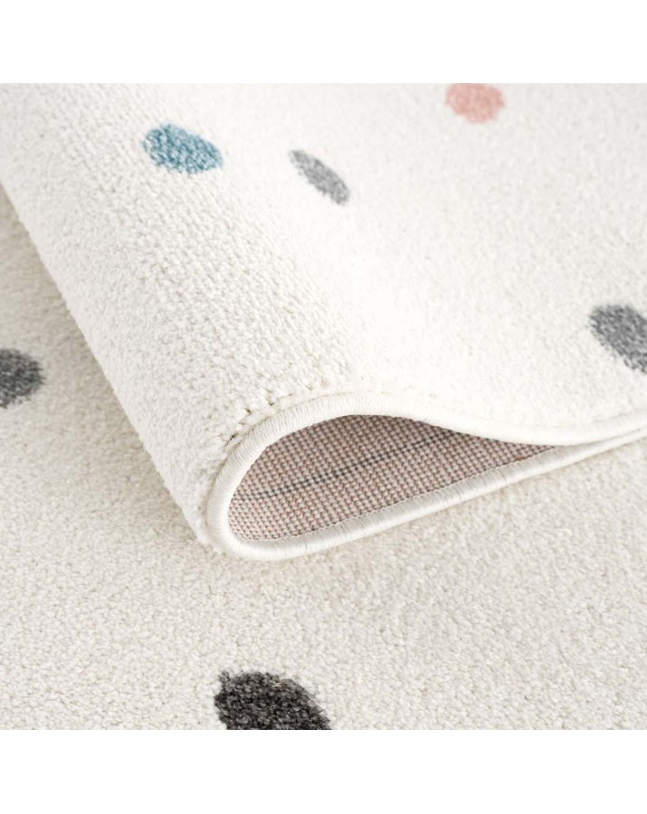 Vaikiškas kilimas su taškučiais