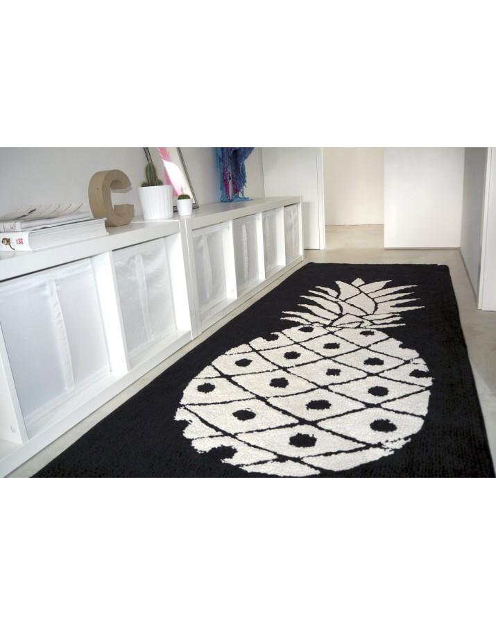 Juodas skalbiamas kilimas..